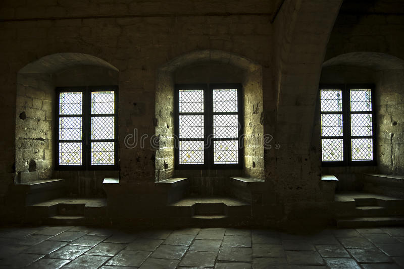 Schloss-Innenraum Windows stockfotografie