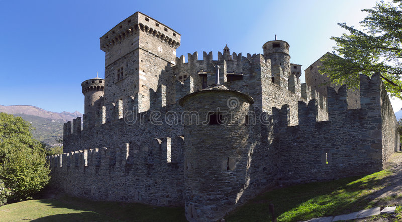 Schloss in Italien, Aosta lizenzfreies stockbild
