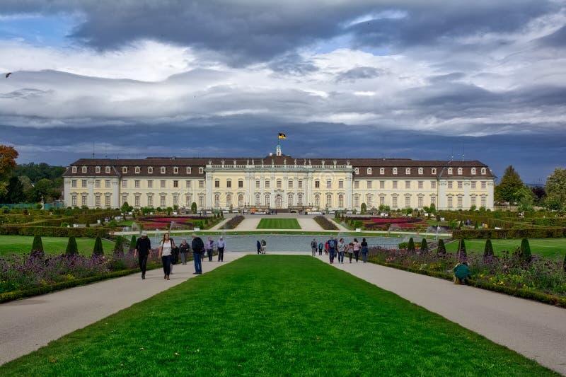 Schloss Ludwigsburg voor Pompoenfestival wordt verfraaid Autumn Octobe dat royalty-vrije stock foto