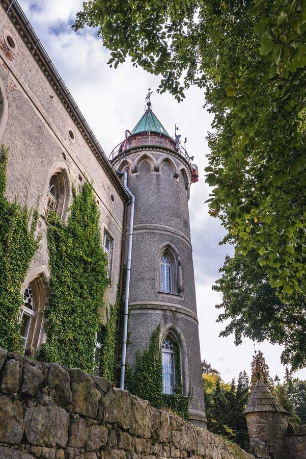 Schloss nahe Szczytna lizenzfreies stockbild