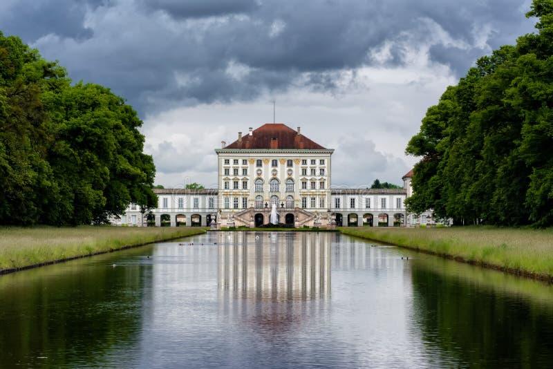 Schloss Nymphenburg,慕尼黑德国阴云密布天气Architectur 免版税库存图片