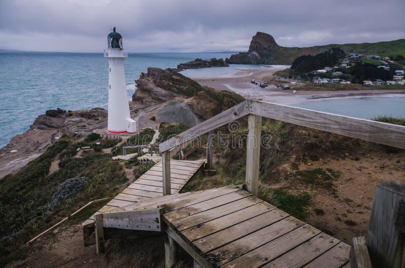 Schloss-Punkt-Leuchtturm, Neuseeland lizenzfreie stockbilder