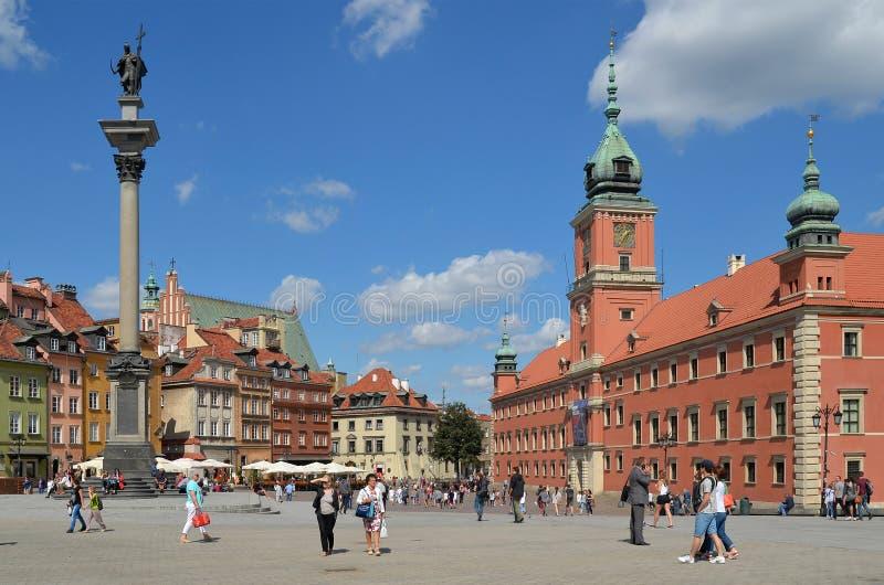 Schloss-Quadrat, Sigismunds Spalte und königliches Schloss in Warschau, Polen stockfotos