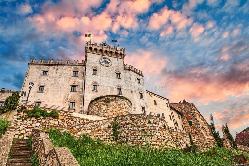 Schloss in Rosignano Marittimo, Leghorn, Toskana, Italien stockfotografie