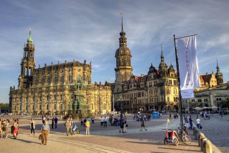 Schloss und Sclosskirche in Dresden stockfotos