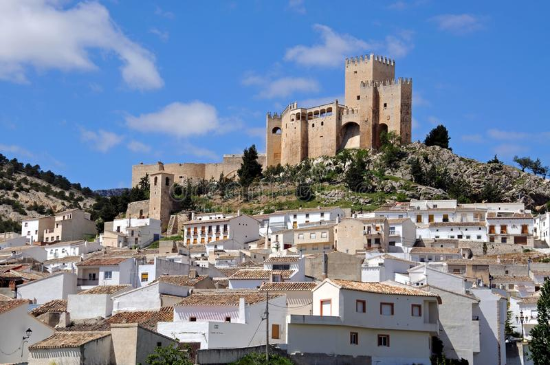 Schloss und Stadt Velez Blanco stockfotografie