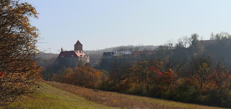 Schloss Veve?í am Herbsttag stockfoto