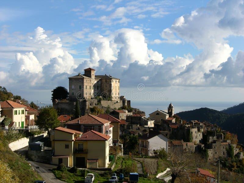 Schloss von Balestrino lizenzfreies stockbild