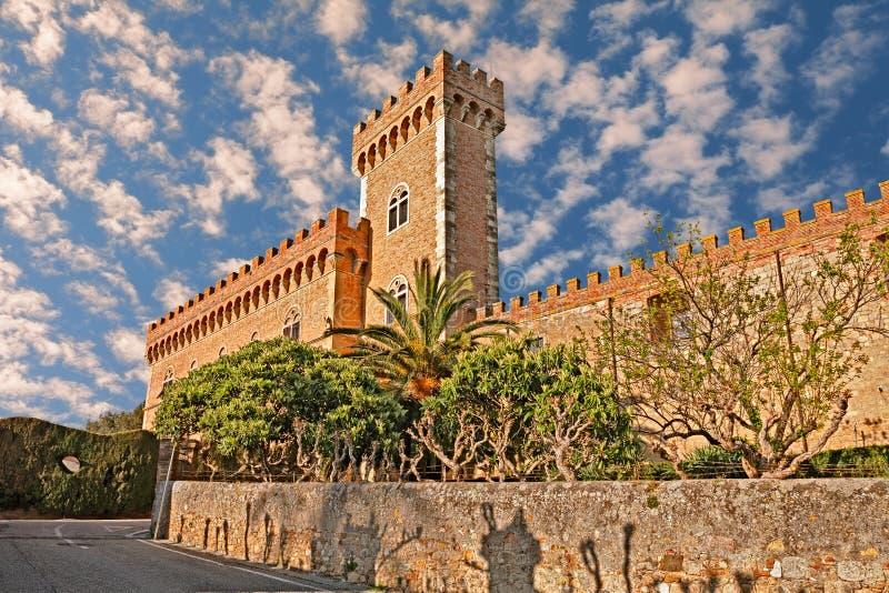 Schloss von Bolgheri in Toskana, Italien stockbild