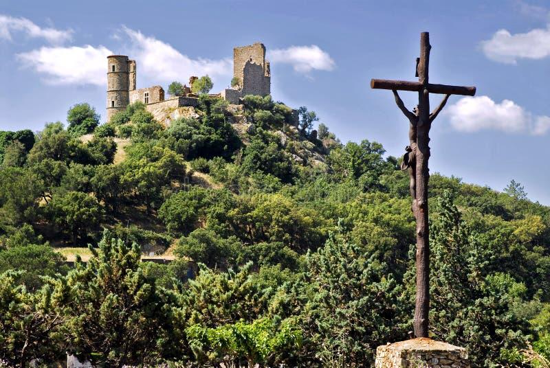 Schloss von Grimaud und von Kalvarienberg imagen de archivo
