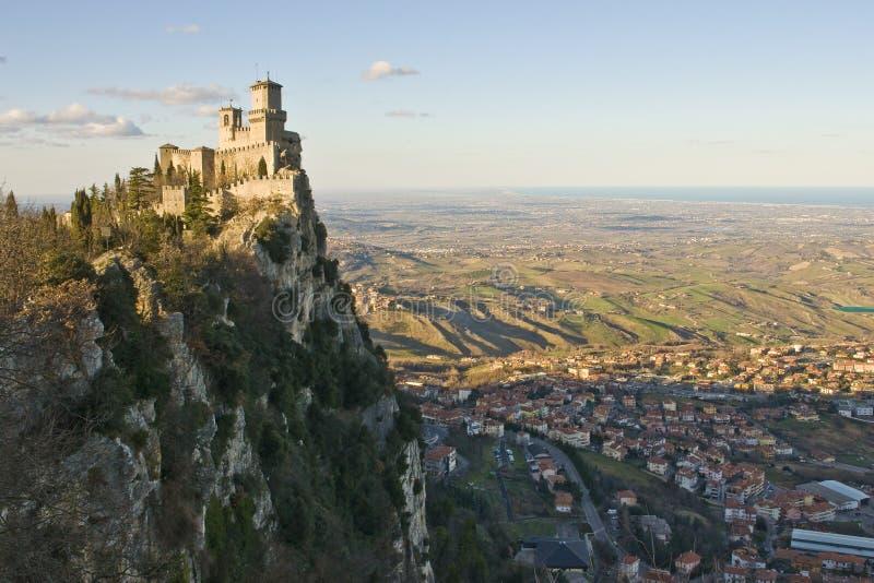 Schloss von San Marino stockfotos