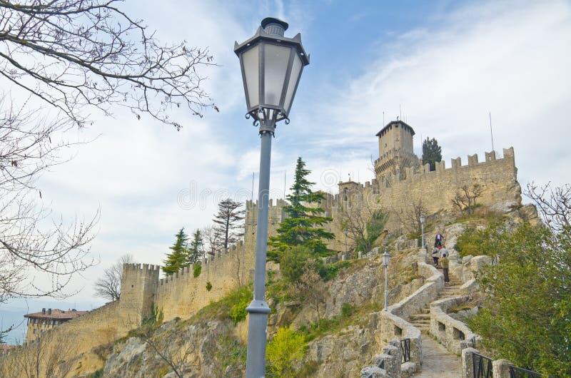 Schloss von San Marino lizenzfreie stockfotografie