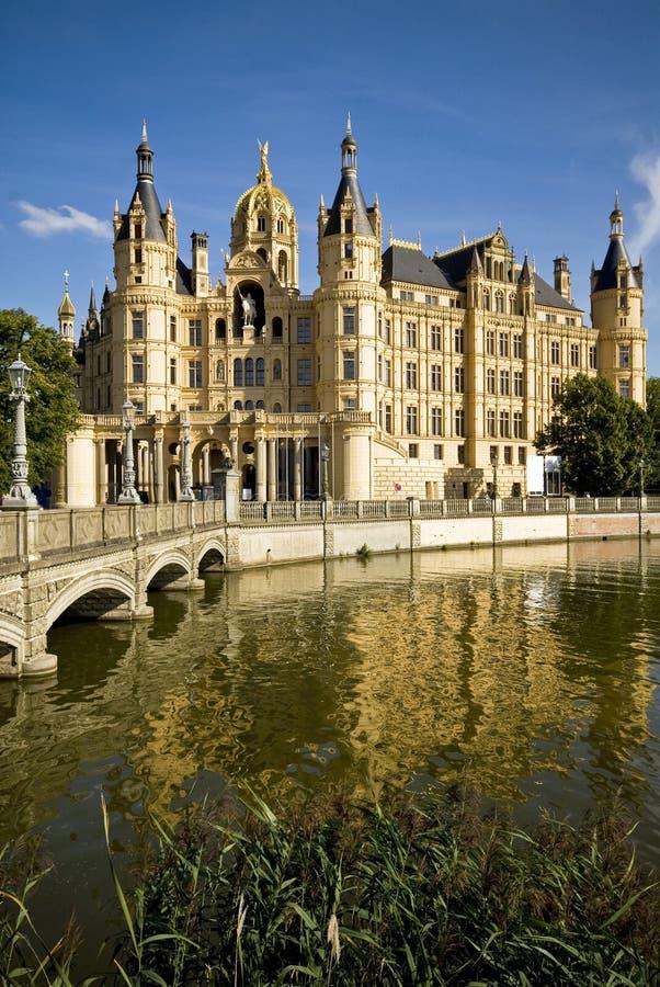 Schloss von Schwerin in Deutschland lizenzfreie stockbilder