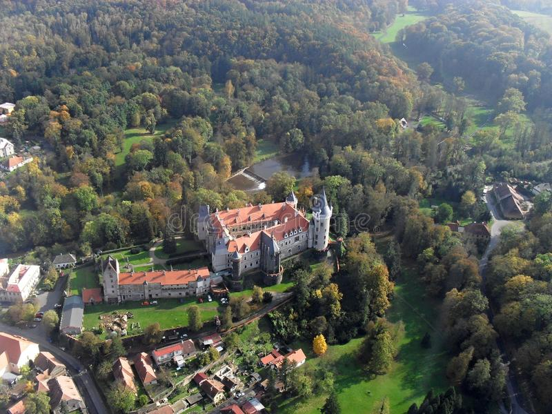 Schloss Zleby in der Tschechischen Republik stockbilder