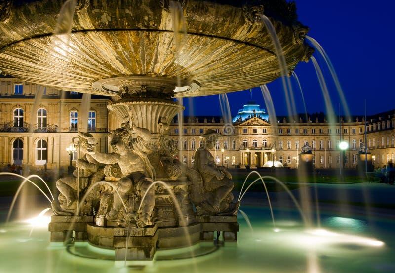Schlossplatz喷泉在斯图加特,德国 图库摄影