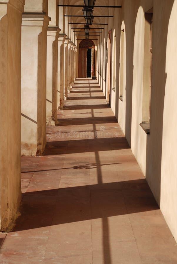 Schlosstunnel lizenzfreie stockfotografie