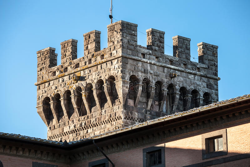 Schlossturm merlon lizenzfreie stockfotos
