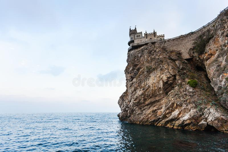 Schlucken Sie Nest-Schloss auf Kap Ays Todor am Abend lizenzfreies stockfoto