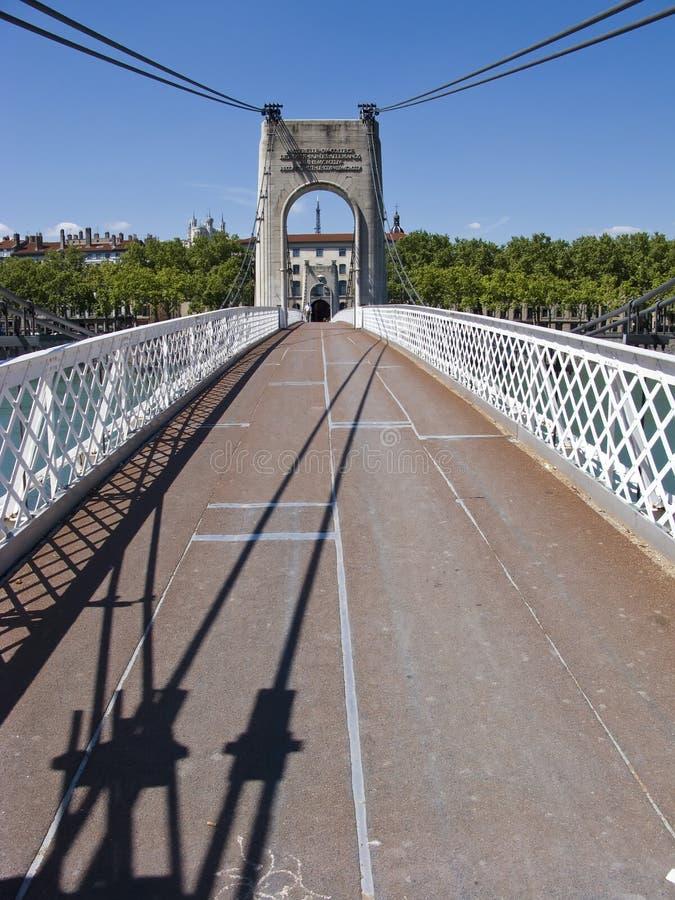 Schmale Aufhebungbrücke lizenzfreies stockbild