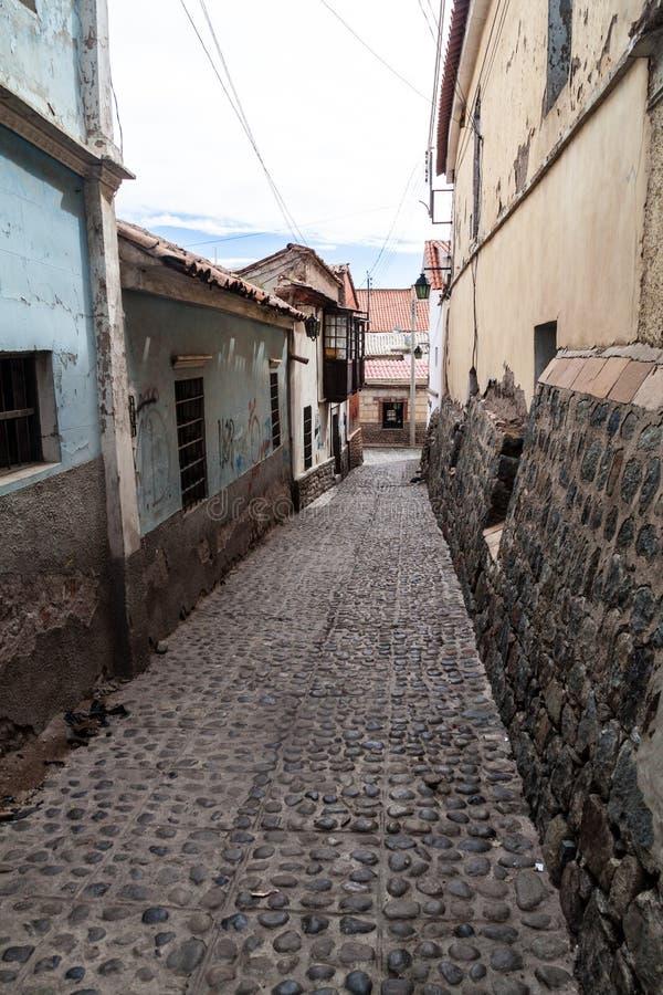 Schmale cobbled Gasse in Potosi, Bolivi stockfoto