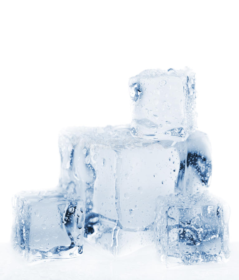 Schmelzende Eiswürfel getont lizenzfreies stockbild