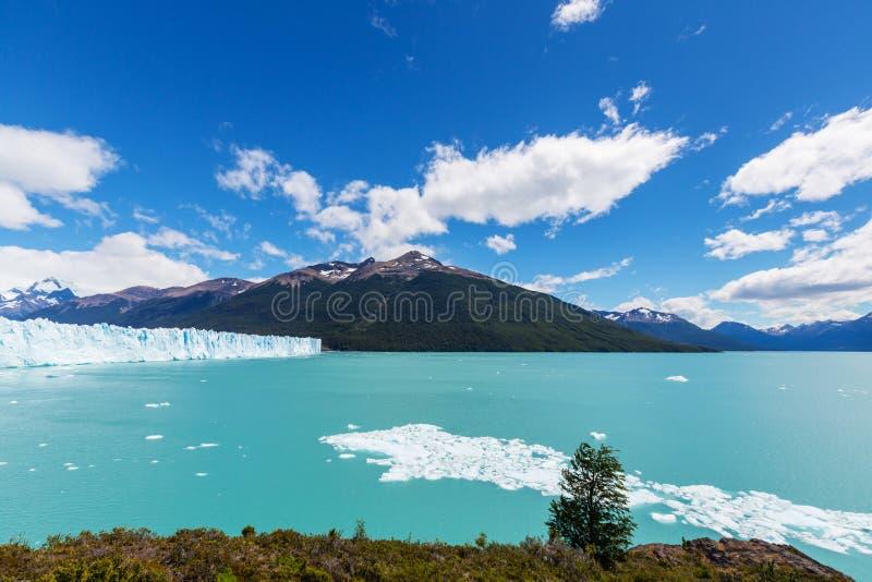 Schmelzender Gletscher in Argentinien stockfotos