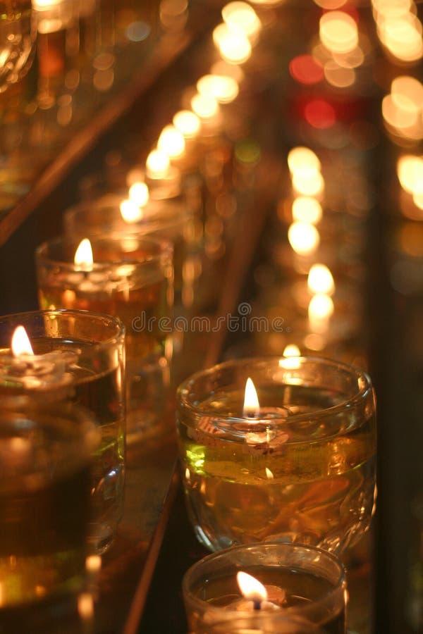 Schmieröl-Lampe in der Dunkelheit stockbild