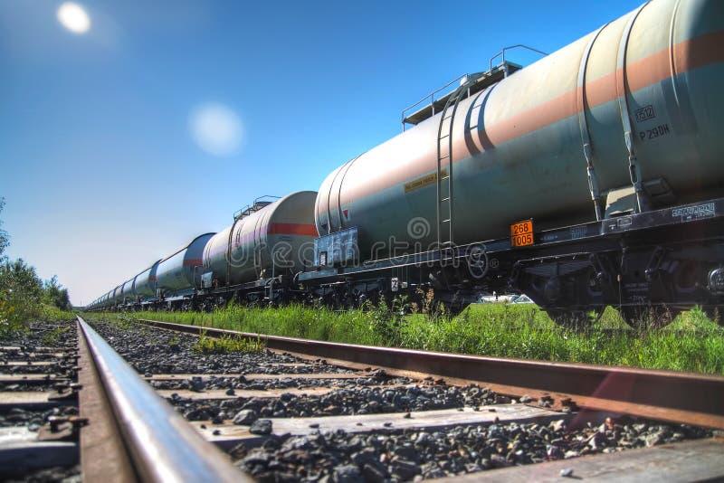 Schmieröl- und Kraftstoffbahnbeförderung lizenzfreie stockbilder
