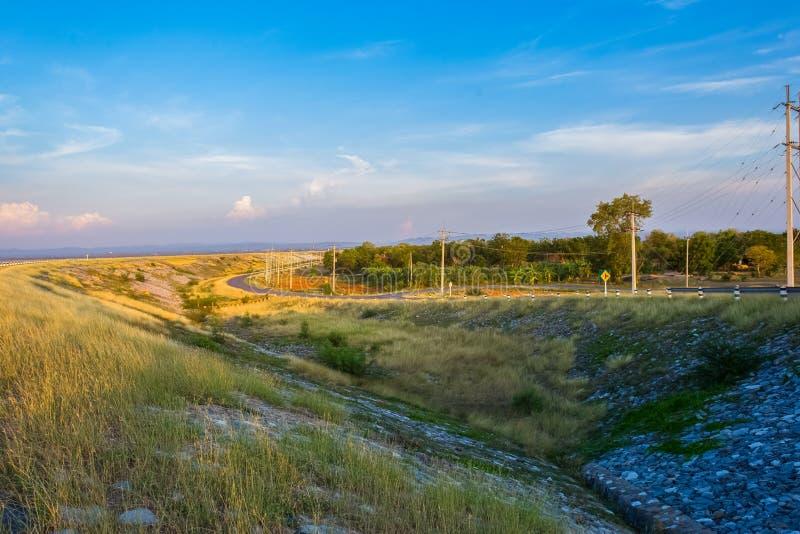 Schmutz, landwirtschaftliches Feld, Bauernhof, Straße, Schotterweg lizenzfreies stockfoto