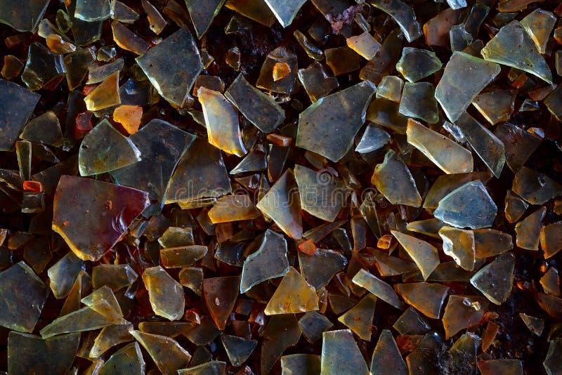 Schmutzige GlasScherben - Industrieabfallhintergrund stockbild
