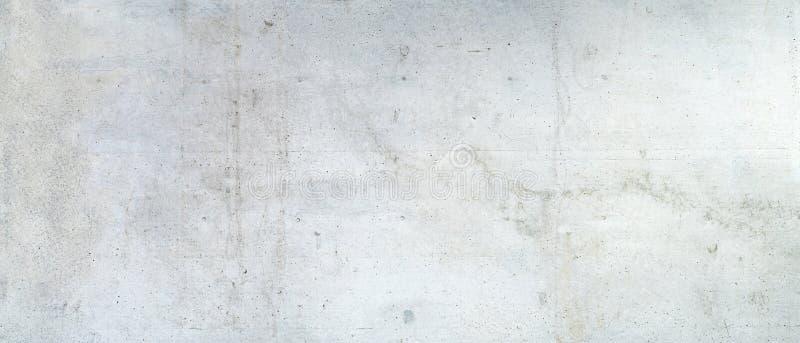 Schmutzige graue Betonmauer stockfoto