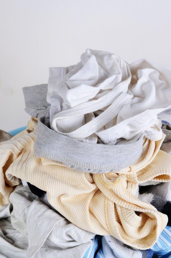 Schmutzige Kleidung lizenzfreie stockfotografie
