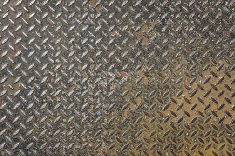 Schmutzige rostige Metallplatte stockbild
