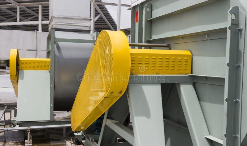 Schnallen Sie Schutzsicherheitsschutz für Motor des Luftgebläses um stockfoto
