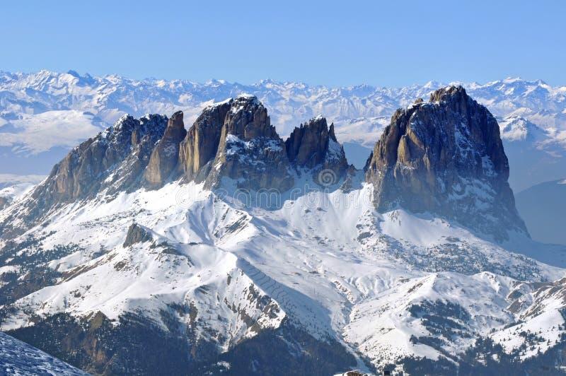 Schnee bedeckte Berg in Italien lizenzfreie stockbilder