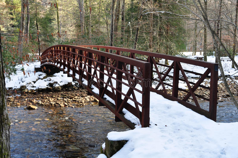 Schnee-Brücke lizenzfreies stockfoto