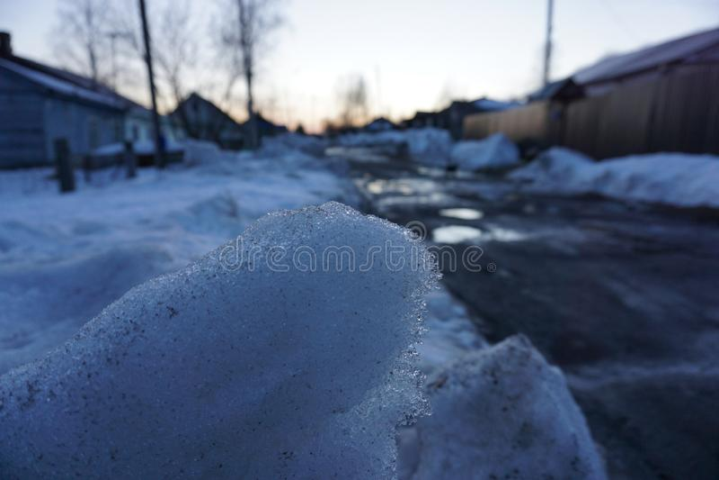 Schnee im russischen Dorf lizenzfreie stockfotografie