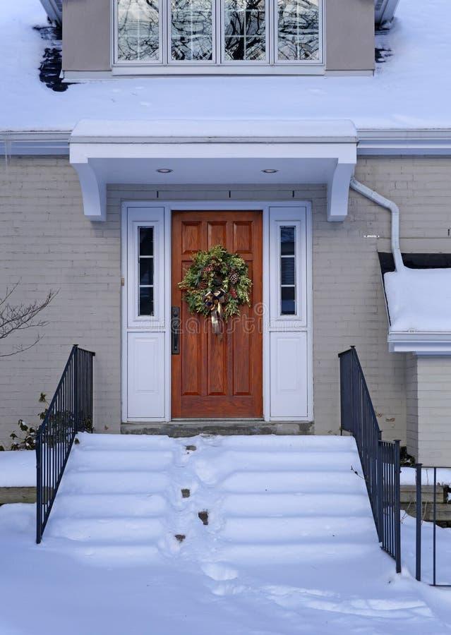 Schnee umfasste vordere Schritte stockfotos