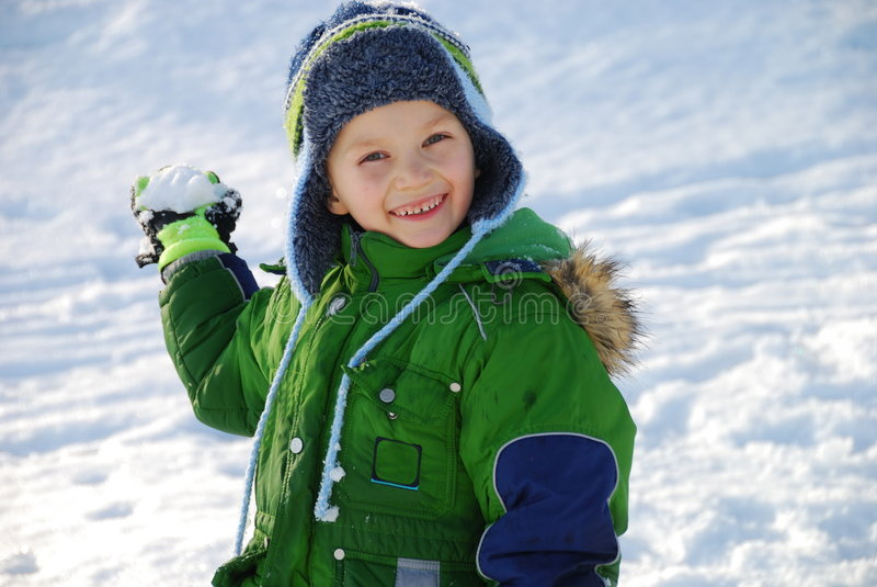 Schneeballjunge lizenzfreie stockfotos