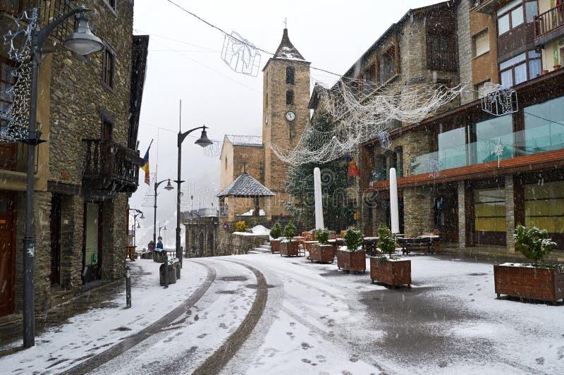 Schneefälle in Ordino, Andorra lizenzfreies stockfoto