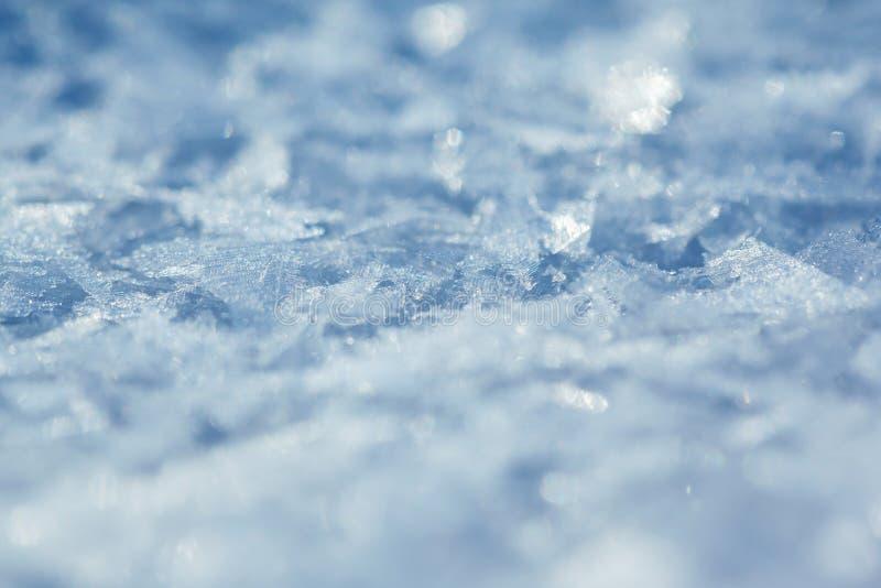 Schneehintergrund, Blau getont lizenzfreie stockfotos
