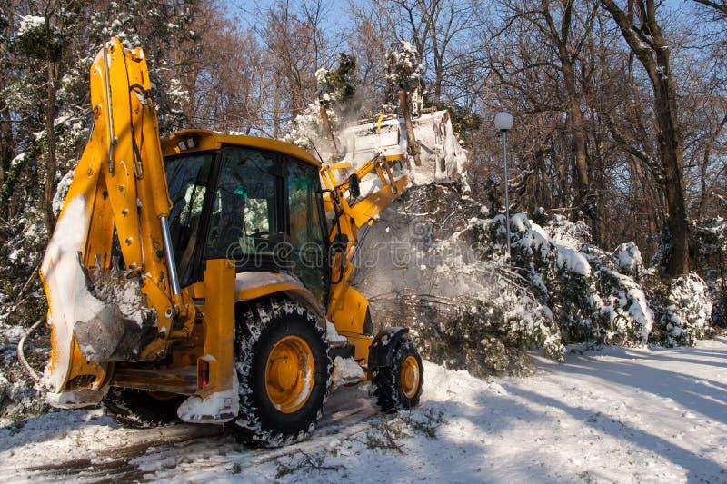 Schneeräumungsfahrzeugreinigung stockfoto