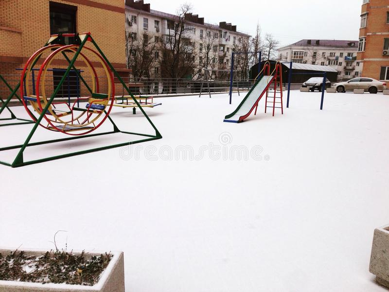 Schneestadt stockfotografie