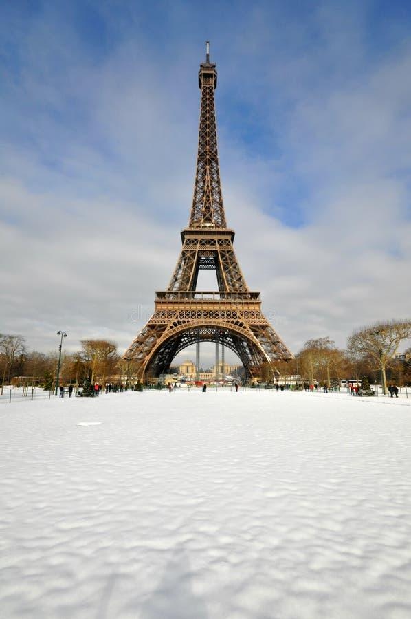Schneesturm in Paris stockfotografie