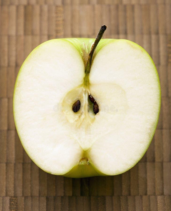 Schneiden Sie Apfel. stockfotos
