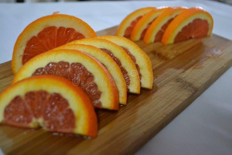 Schneiden Sie frisch Orangen stockfotografie