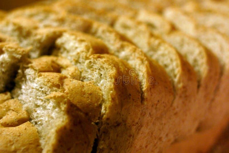 Schneiden Sie Laib des Brotes lizenzfreie stockfotografie
