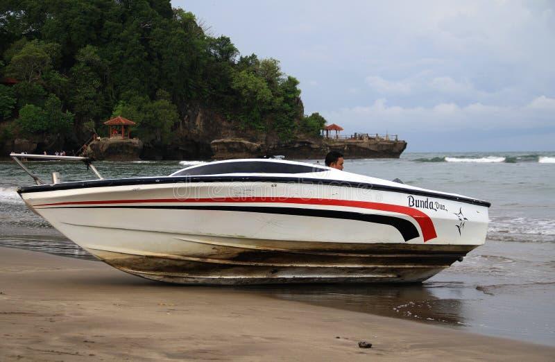 Schnellboot auf Anyer stockbild
