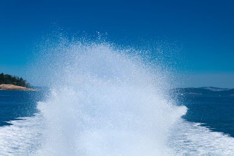 Schnellboot-Spray lizenzfreie stockfotografie