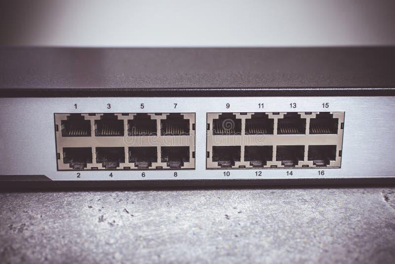 Schneller Hafen Gigabit Ethernet-Schalter-16 stockfoto